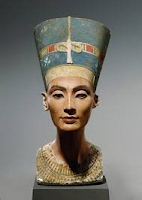 https://www.ancientegyptonline.co.uk/nefertitibust.html